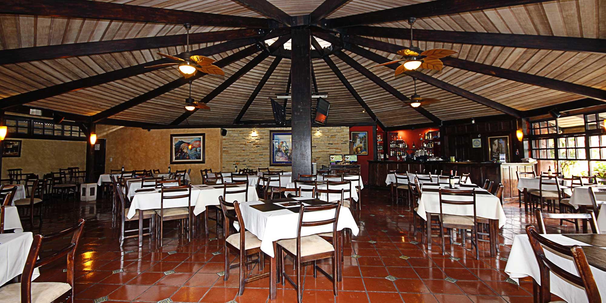 Interior de Kiantis Restaurante en La Rivera de Belén, Heredia, Costa Rica